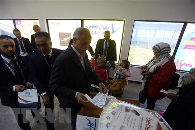 Libya: GNA cao buoc LNA khong kich san bay Tripoli bang 6 qua ten lua hinh anh 1
