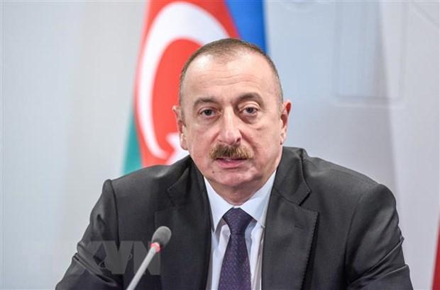 Cu tri Azerbaijan di bo phieu bau cu Quoc hoi truoc thoi han hinh anh 1