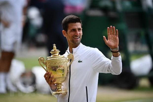 Novak Djokovic tang Serbia 1 trieu euro chong dich COVID-19 hinh anh 1