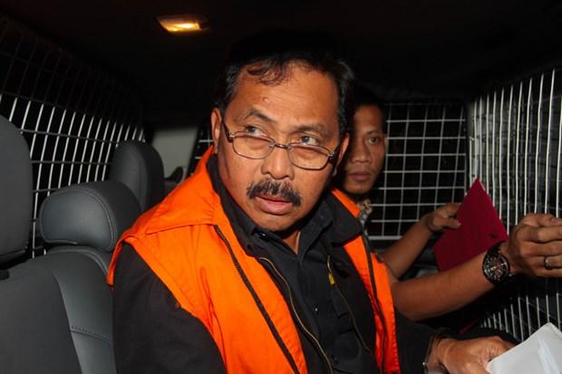 Indonesia: Thong doc tinh Quan dao Riau bi phat tu vi nhan hoi lo hinh anh 1
