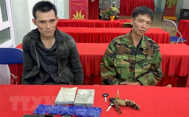 Son La: Bat 2 doi tuong mua ban 2 banh heroin, 1.000 vien hong phien hinh anh 1