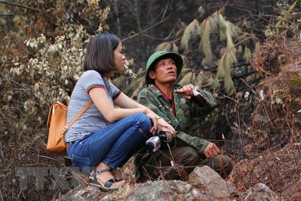 Tac nghiep an toan tai 'diem nong' thien tai dai dat mien Trung hinh anh 4