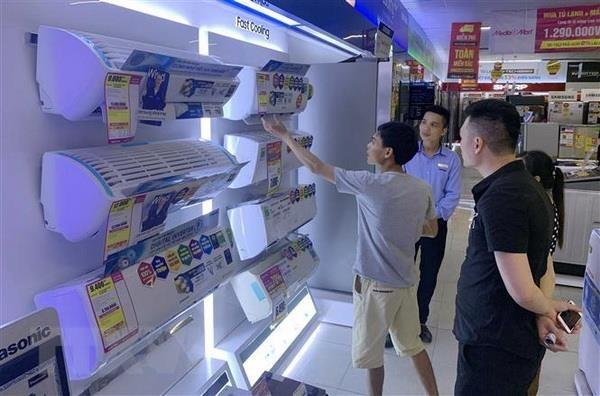 Chuong trinh khuyen mai tap trung: Luong khach mua sam tang manh hinh anh 1
