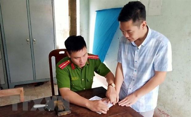 Khoi to doi tuong loi dung danh nghia phong vien de cuong doat tai san hinh anh 1