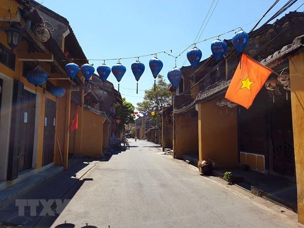 Phuc hoi nganh du lich Viet Nam: Tim giai phap trong 'tinh hinh moi' hinh anh 1