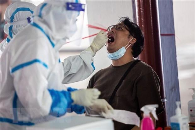 Hong Kong se xet nghiem COVID-19 mien phi cho toan bo nguoi dan hinh anh 1
