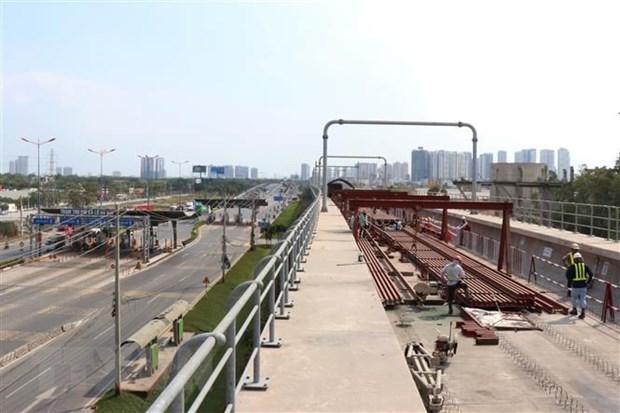 Doan tau dau tien tuyen metro Ben Thanh-Suoi Tien sap ve TP.HCM hinh anh 1