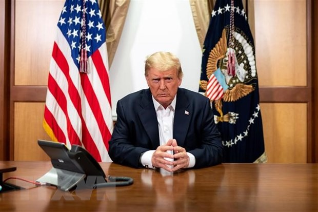 Tong thong Donald Trump xuat vien sau ba ngay dieu tri benh COVID-19 hinh anh 1