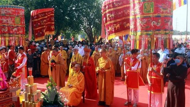Quang Ninh: Cung ruoc tuong Phat bang ngoc nguyen khoi nang 3,8 tan hinh anh 1
