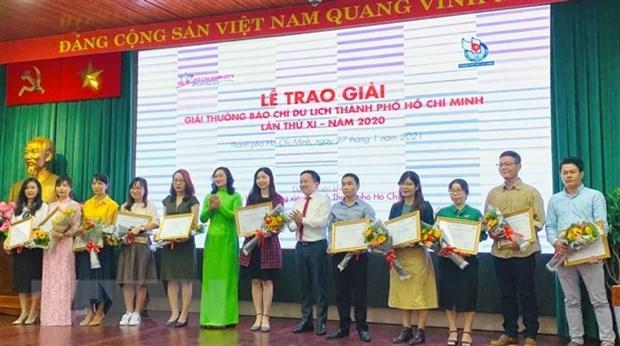 TTXVN gianh ba giai thuong Giai Bao chi Du lich TP.HCM nam 2020 hinh anh 1