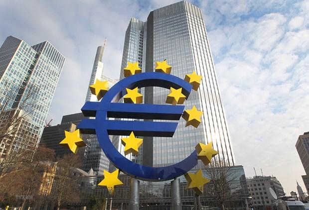 Lam phat tai Eurozone tro lai muc duong tu dau nam 2021 hinh anh 1