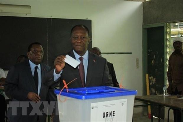 Tong thong Cote d'Ivoire Ouattara bo nhiem Thu tuong lam thoi hinh anh 1