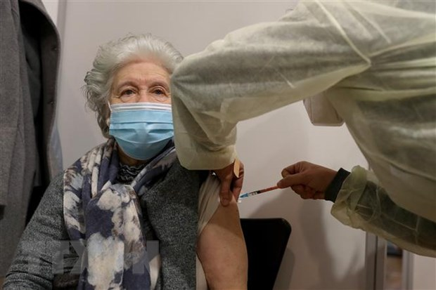 EU nhan duoc 100 trieu lieu vaccine moi thang trong quy 2 hinh anh 1