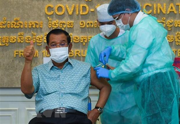 Campuchia day manh cong tac tiem vaccine ngua COVID-19 hinh anh 1