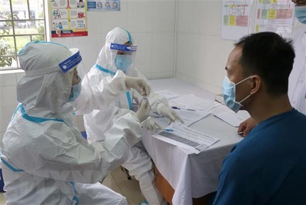 Dien Bien bat dau trien khai tiem vaccine phong COVID-19 hinh anh 1