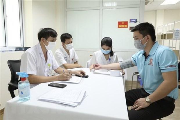 Chu dong nguon vaccine phong ngua COVID-19 cho nhan dan hinh anh 2