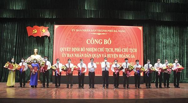 Huyen dao Hoang Sa lan dau tien co Pho Chu tich UBND huyen hinh anh 1