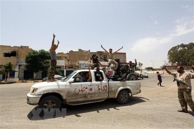 Ai Cap hoa giai thanh cong giua Thu tuong Libya va Tuong Haftar hinh anh 1