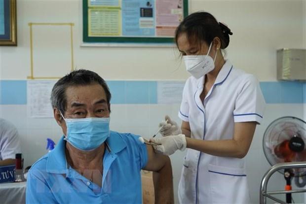 Tren 70% nguoi dan Con Dao duoc tiem du 2 mui vaccine phong COVID-19 hinh anh 1