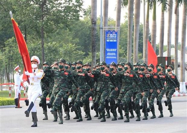 Army Games 2021: Khai mac Cuoc thi 'Xa thu ban tia' va 'Vung tai nan' hinh anh 1