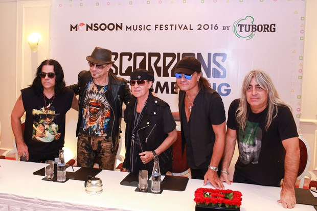 Ban nhac lung danh Scorpions sang Viet Nam: Muon con hon khong hinh anh 4