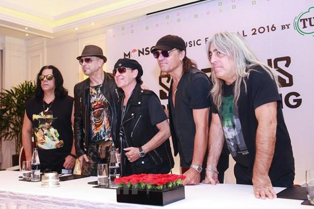 Ban nhac lung danh Scorpions sang Viet Nam: Muon con hon khong hinh anh 6