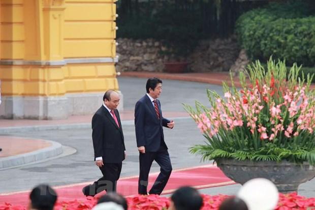 Thu tuong Nguyen Xuan Phuc va ong Abe co cuoc hoi dam chinh thuc hinh anh 6