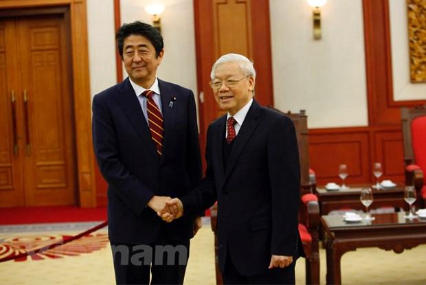 Tong Bi thu Nguyen Phu Trong tiep Thu tuong Nhat Ban Shinzo Abe hinh anh 2
