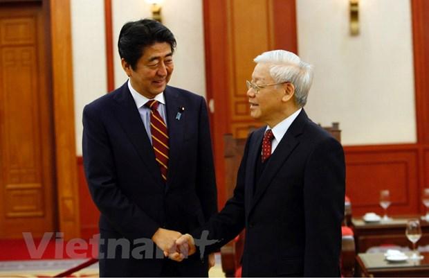 Tong Bi thu Nguyen Phu Trong tiep Thu tuong Nhat Ban Shinzo Abe hinh anh 3