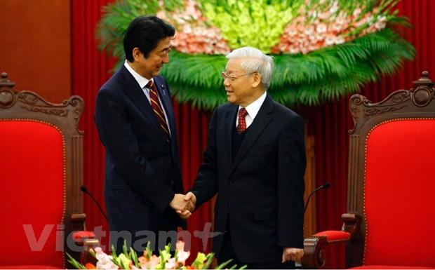 Tong Bi thu Nguyen Phu Trong tiep Thu tuong Nhat Ban Shinzo Abe hinh anh 4