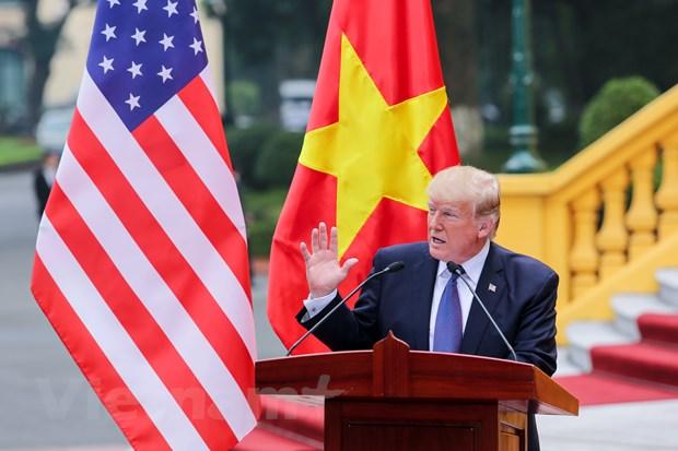 Nhin lai 2 ngay cua Tong thong Hoa Ky Donald Trump tai Ha Noi hinh anh 11