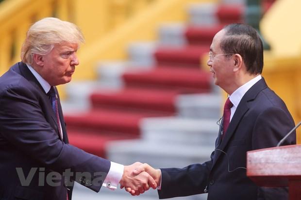 Nhin lai 2 ngay cua Tong thong Hoa Ky Donald Trump tai Ha Noi hinh anh 12