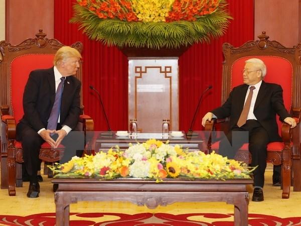 Nhin lai 2 ngay cua Tong thong Hoa Ky Donald Trump tai Ha Noi hinh anh 13