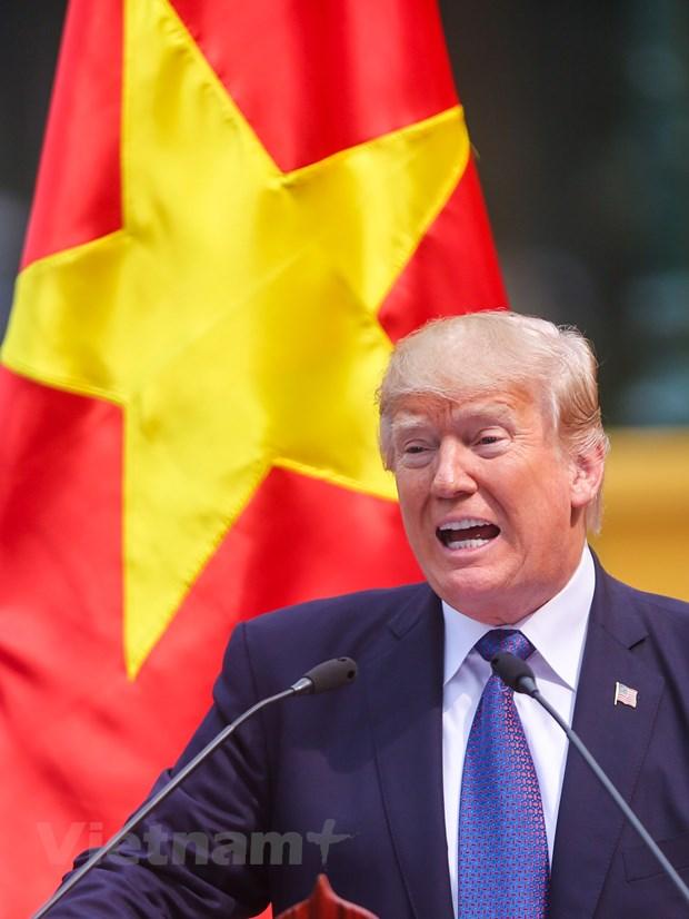 Nhin lai 2 ngay cua Tong thong Hoa Ky Donald Trump tai Ha Noi hinh anh 15