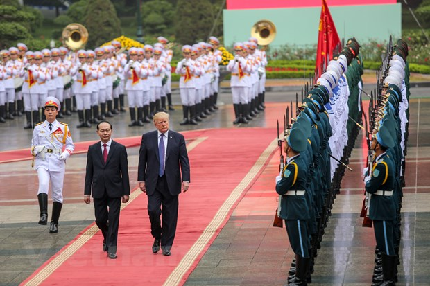 Nhin lai 2 ngay cua Tong thong Hoa Ky Donald Trump tai Ha Noi hinh anh 8