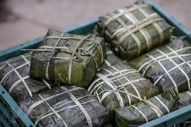 Cuu hoc sinh Ha Noi goi 2018 banh chung dua Tet som den nguoi ngheo hinh anh 16