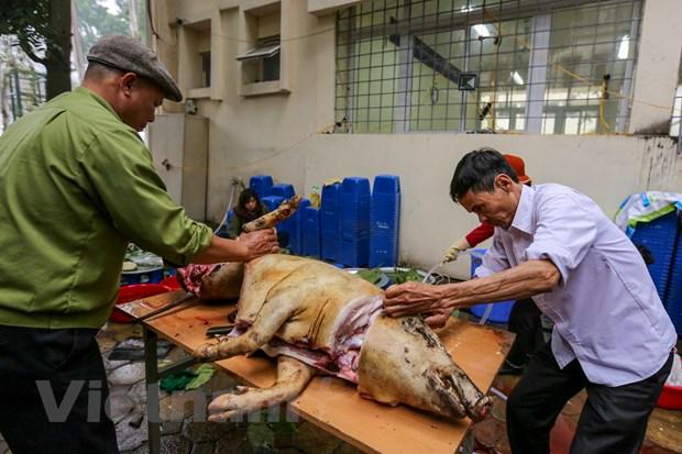 Cuu hoc sinh Ha Noi goi 2018 banh chung dua Tet som den nguoi ngheo hinh anh 8