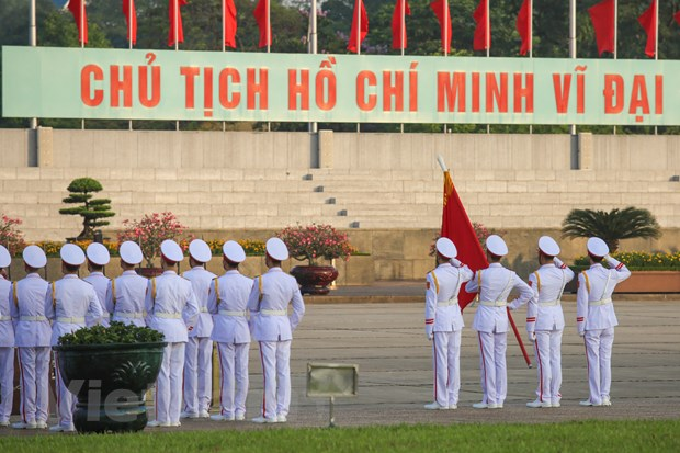 Le chao co tai Quang truong Ba Dinh trong ngay Sinh nhat Bac hinh anh 7