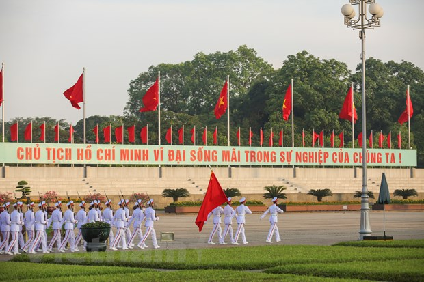 Le chao co tai Quang truong Ba Dinh trong ngay Sinh nhat Bac hinh anh 9