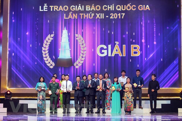 [Photo] Toan canh le trao Giai Bao chi quoc gia 2017 hinh anh 10