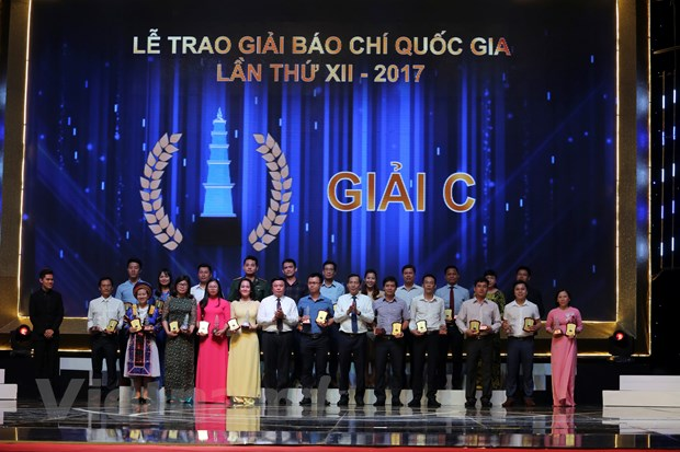 [Photo] Toan canh le trao Giai Bao chi quoc gia 2017 hinh anh 5