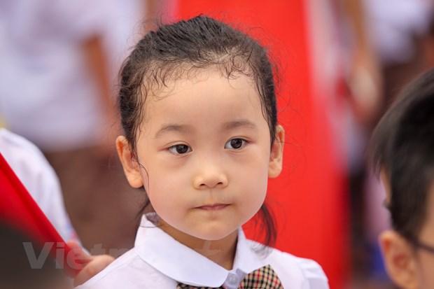 Khai giang o ngoi truong co so luong hoc sinh lop 1 dong ky luc Ha Noi hinh anh 10