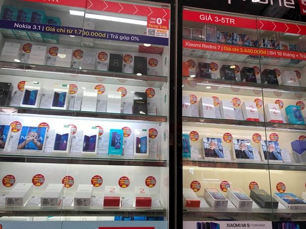 Cac nha ban le smartphone tai Viet Nam noi gi sau vu viec cua Huawei? hinh anh 3