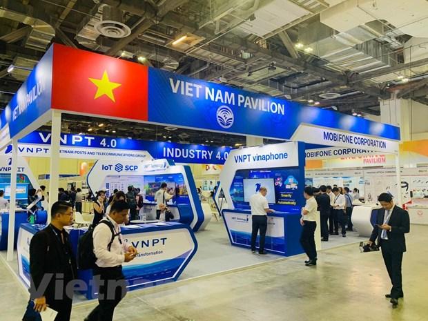 CommunicAsia 2019: Dau an san pham cong nghe 'Make in Vietnam' hinh anh 3
