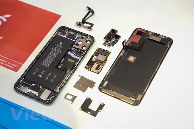 'Mo xe' chiec iPhone 11 Pro Max mau xanh reu dau tien tai Ha Noi hinh anh 10