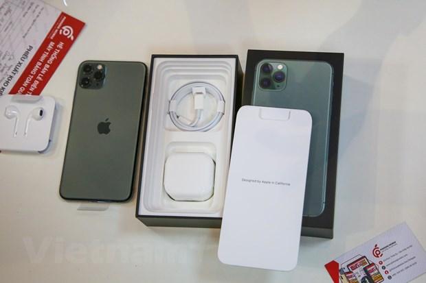 'Mo xe' chiec iPhone 11 Pro Max mau xanh reu dau tien tai Ha Noi hinh anh 4