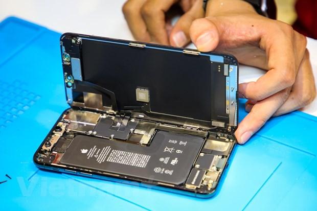 'Mo xe' chiec iPhone 11 Pro Max mau xanh reu dau tien tai Ha Noi hinh anh 7