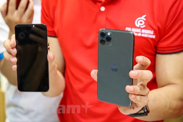 'Mo xe' chiec iPhone 11 Pro Max mau xanh reu dau tien tai Ha Noi hinh anh 9