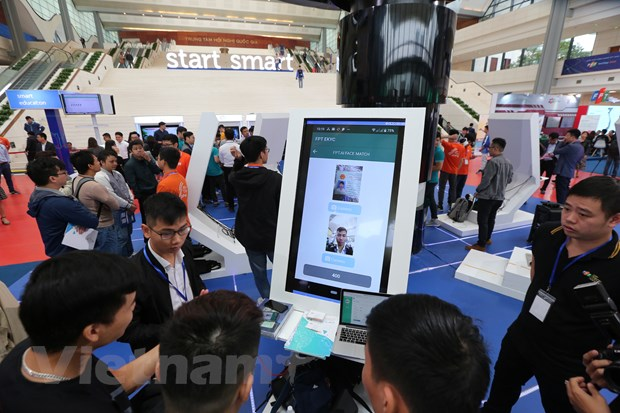 Trinh dien hang loat cong nghe 'dinh' tai FPT Techday 2019 hinh anh 10