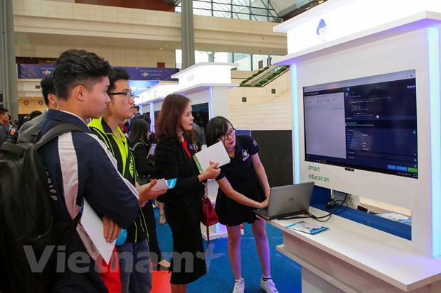 Trinh dien hang loat cong nghe 'dinh' tai FPT Techday 2019 hinh anh 5